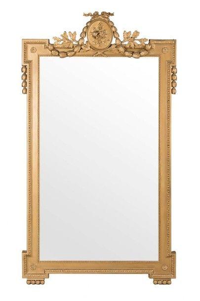 Important miroir rectangulaire En bois doré....