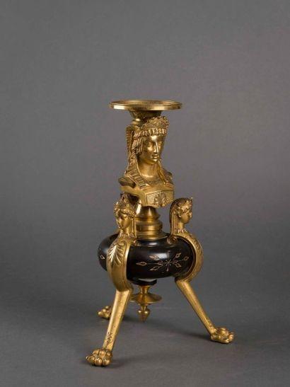 Sellette tripode en bronze doré et patiné...