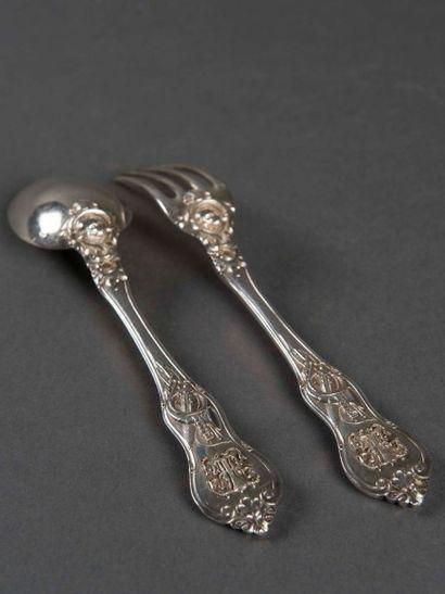 Couverts de chasse en argent, spatules ornées...