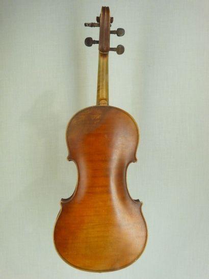Violon fait par DARTE vendu par Paul Blanchard...