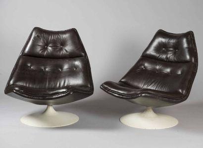 Geoffrey HARCOURT (né en 1935) - Artifort (Editeur) Paire de fauteuils de repos,...