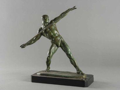 GUERO (XX EME) Archer Bronze à patine verte...