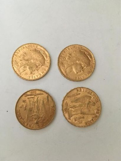 Quatre pièces en or 20 francs IIIème République...