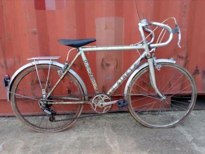 Vélo enfant Gérald GINET (Vienne), 1970 Acier,...