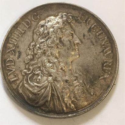 LOUIS XIV MEDAILLE en ARGENT de WARIN 1668...