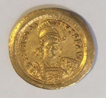 THEODOSE II ( 402-450 ) SOLIDUS en or frappé...