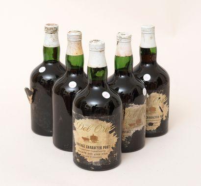 Porto Del Oror 5 bouteilles PORTO DEL OROR Vintage Caracte?re (étiquettes très abimées,...