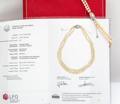 Collier deux rangs de 105 perles fines, fermoir platine et diamant 1,20cts environ...
