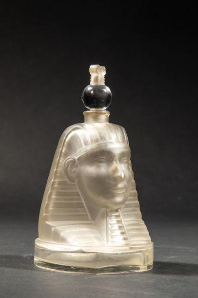 RAMSES « Ramsès IV » Flacon en cristal incolore...
