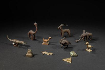 Différents poids ashanti et animaux.Bronze.Afrique...