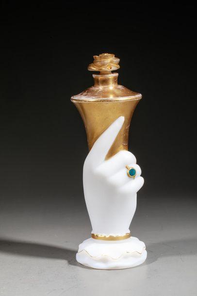 ELIZABETH ARDEN « It's You » Flacon en cristal opaque blanc représentant une main...
