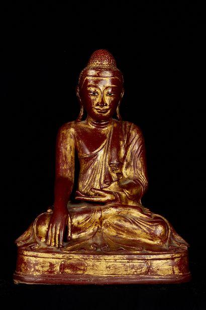 Birmanie, début XXème siècle. Bouddha assis...