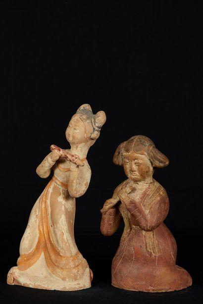 Chine, dans le goût des Tang. Deux musiciennes...