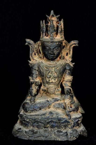 Birmanie, style Shan. Statuette de Bouddha...