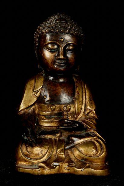 Chine, XXème siècle. Bouddha assis en méditation...