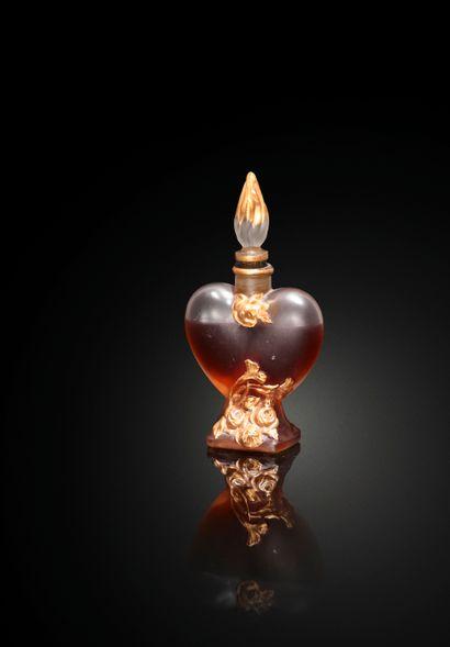 DE VAUDREY « Le coeur pâmé »  Flacon en verre...