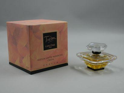 Lancôme. Trésor. Flacon en cristal parfum...