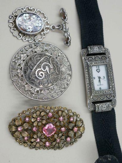 Lot de bijoux en argent et métal argenté...