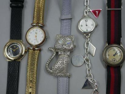 Lot de montres fantaisies années 1960/1970...