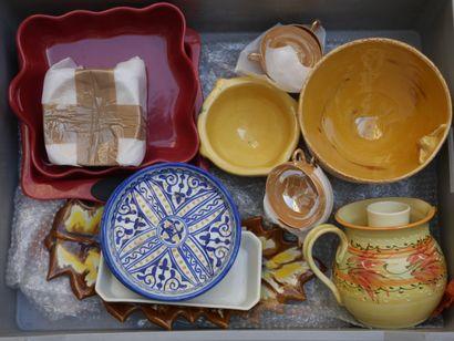 Manette de céramiques diverses dont cendriers,...
