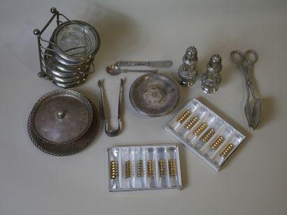 Manette de métal argenté : Dessous de verre,...