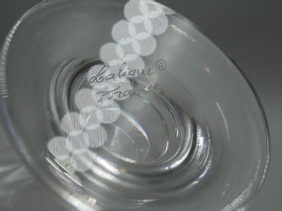 LALIQUE FRANCE « Moulin Rouge »  Flacon en cristal incolore partiellement dépoli...
