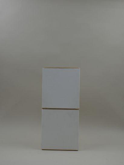 GUERLAIN « L'heure bleue »  Flacon en verre, modèle abeilles incolores. Bouchon...
