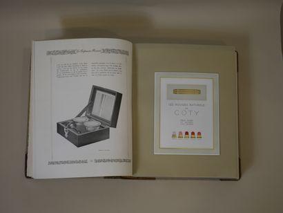 « La parfumerie française et l'Art dans la présentation »  Exceptionnel et rare...