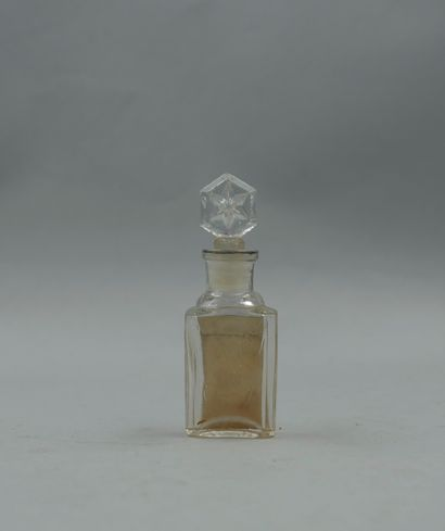 """BICHARA """"Nirvana""""  Flacon en verre, belle étiquette décorée et titrée. Bouchon à..."""