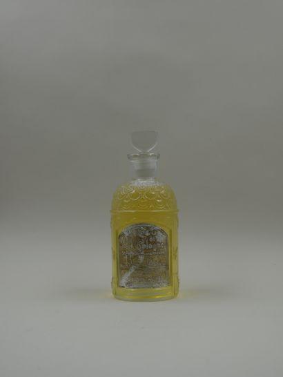 AGUSTIN REYES  Flacon imitation du flacon abeilles de chez Guerlain.  Panse présentant...