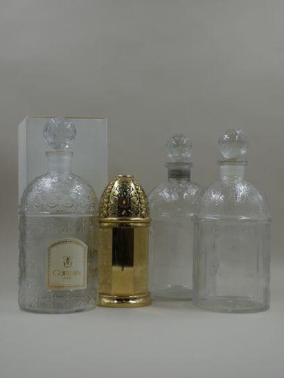 GUERLAIN  Lot comprenant deux flacons modèles...