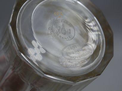 HOUBIGANT  Flacon en verre, modèle carafon d'inspiration 18ème siècle, en partie...