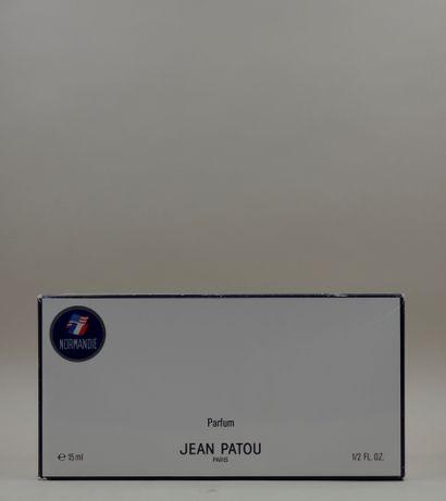 JEAN PATOU « Le Normandie » Flacon en verre, réédition du flacon offert aux passagers...