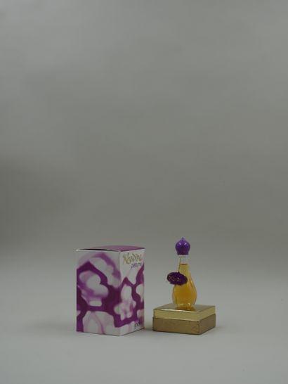 YARDLEY « Khadine »  Flacon en verre, étiquette...