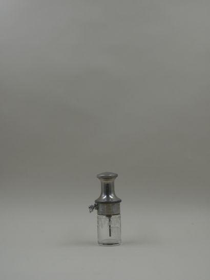 MOLINARD « Le provençal » non titré  Flacon en verre de forme cylindrique, décoré...