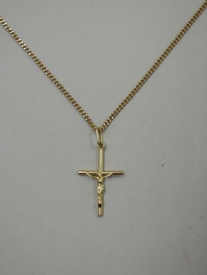 Croix en et sa chaine en or jaune 18k - 5...