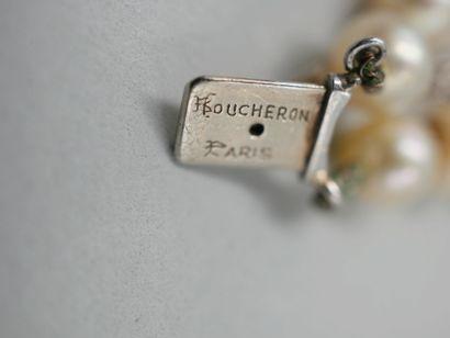 BOUCHERON PARIS, Magnifique collier de deux rangs de perles de culture en chute,...