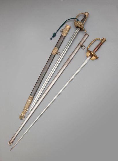 Epée de général de division. Fusée en bois...