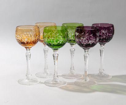 Six verre à vin du Rhin sur pied en cristal...
