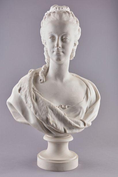 Ecole Française Début XXème. Buste de Marie-Antoinette,...