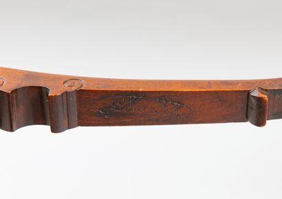 Gabriel VIARDOT (1830-1906), Paire de chaises en noyer à dossier asymétrique ajouré...