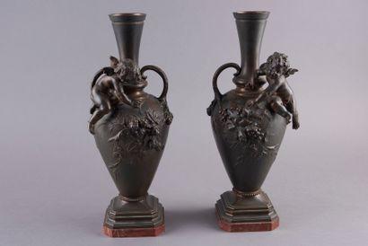 Auguste MOREAU (1834-1917). Paire de vases...