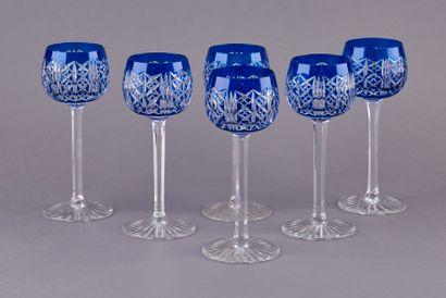SAINT LOUIS. Six verres à vins du Rhin modèle...