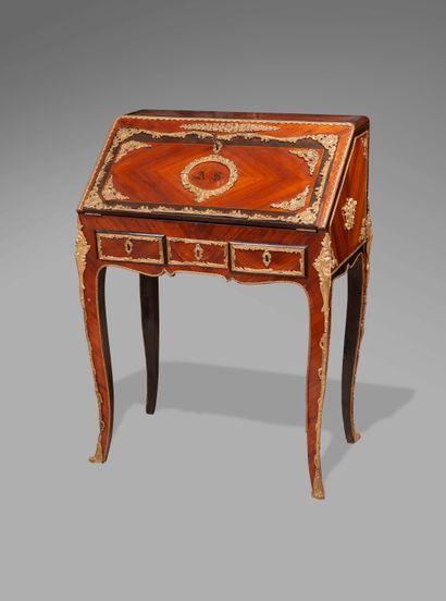 Bureau de pente de style Louis XV en bois...