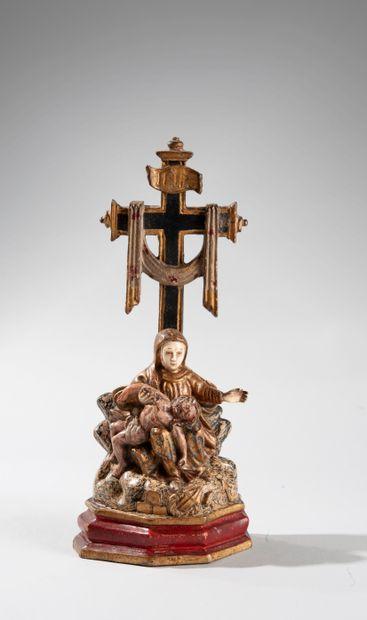 Sculpture monoxyle en bois polychrome, doré et incrustations d'ivoire représentant...