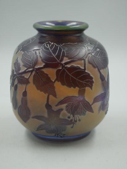 ETABLISSEMENTS GALLE (1904-1936). Petit vase...
