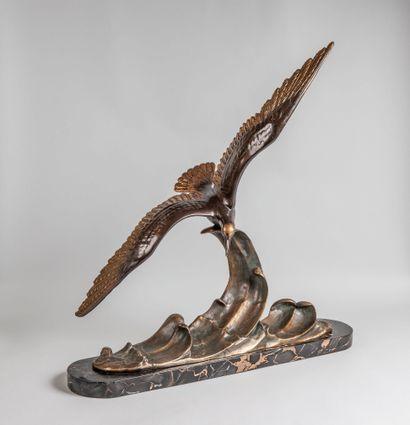 Charles RUCHOT (actif entre 1880-1925). Mouette sur une vague. Epreuve en bronze...