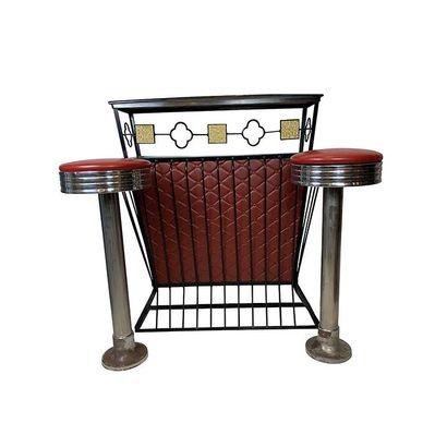 Bar en métal laqué noir gainé de cuir rouge....