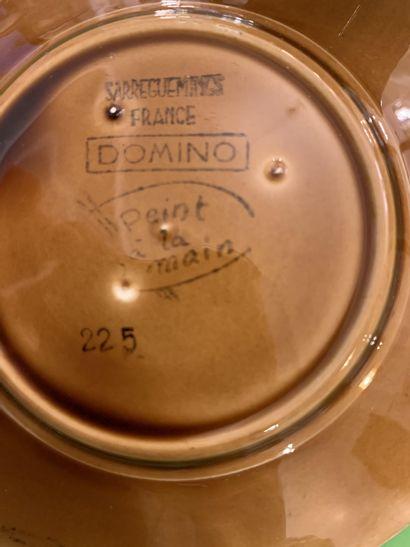 """SARREGUEMINES. """"Domino"""". Partie de service à thé/café en faïence à décor émaillé..."""