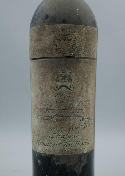 1 bottle CHÂTEAU MOUTON ROTHSCHILD 1945 Pauillac, high shoulder level, dusty label,...
